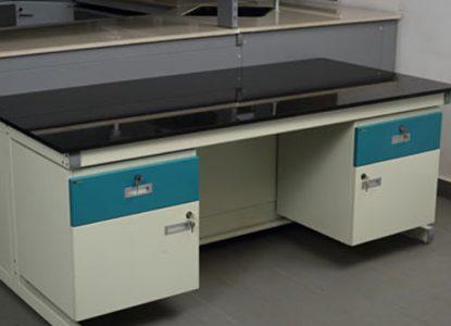 chair studio Flexis-Sliding-C-Frame-System